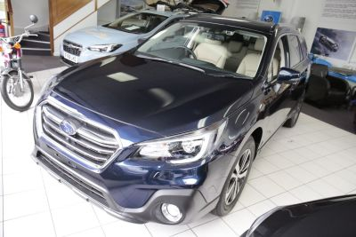 Subaru Outback 2.5 SE Premium Estate Petrol Dark Blue Pearl at Subaru Used Vehicle Locator Penicuik